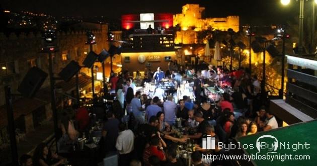 Friday Night at B On Top Pub, Byblos
